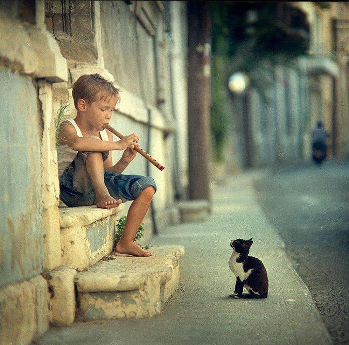 bambino col flauto